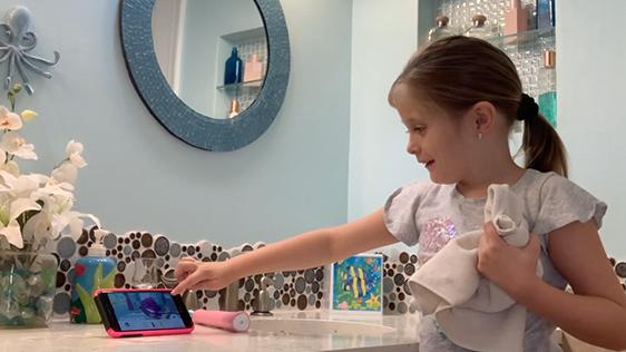 Child-Using-Sonicare-App